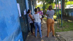 Delegado ouve família de comerciária que morreu em hospital de Candeias