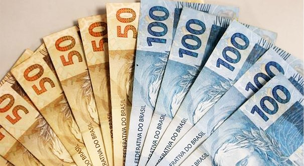 Atraso de dois meses no pagamento de salários justifica rescisão indireta
