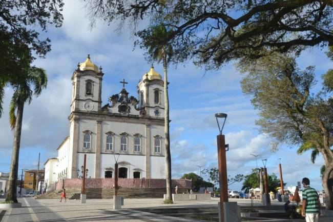 Salvador: Prefeitura fiscaliza e pune irregularidades em festa simbólica do Bonfim